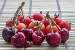Kirazlar ve kiraz domatesler